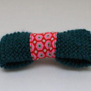 Cazamarmaille-barrette-laine-bleu-petrole-tissu-rose-et-rouge-recto-web