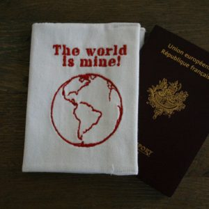 cazamarmaille-etui-passeport-world-is-mine-rouge-plan-londres-ferme-web
