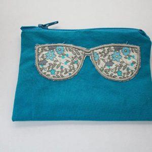 cazamarmaille-porte-monnaie-turquoise-lunettes-fleurs-web
