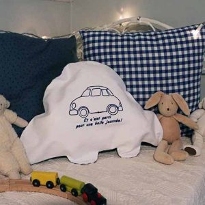 Cazamarmaille range pyjama voiture brodé bleu marine
