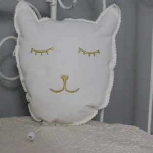 Cazamarmaille-coussin-musical-chat-blanc-et-dore