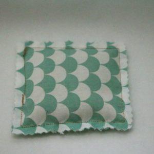 Cazamarmaille-bouillotte-sèche-carrée-écaille-mint