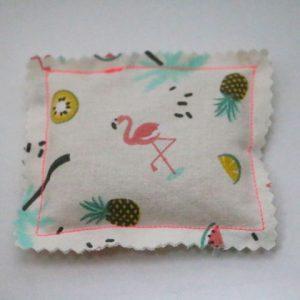 Cazamarmaille-bouillotte-sèche-carrée-flamingo