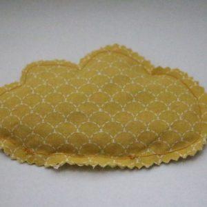 Cazamarmaille-bouillotte-sèche-nuage-écaille-jaune-moutarde