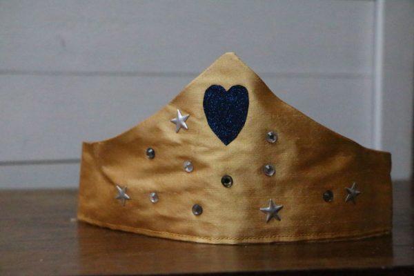 Cazamarmaille-couronne-epiphanie-dore-coeur-bleu-web