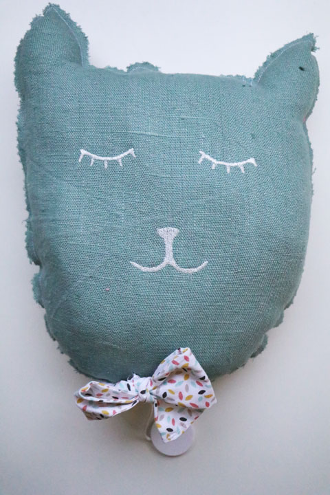Cazamarmaille-coussin-chat-musical-Alphonse-recto