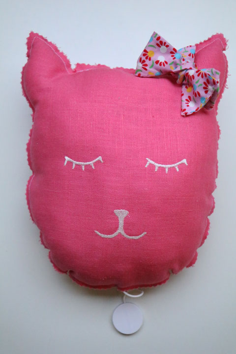 Cazamarmaille-coussin-musical-chat-odette-recto